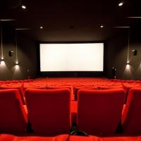 Онлайн-кинотеатры согласились брать за показ фильмов не больше 100 рублей