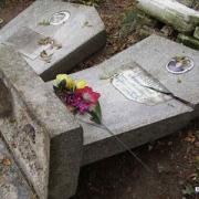 В Прииртышье возбуждено уголовное дело по факту осквернения могил