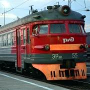 В Омской области пара попала под поезд