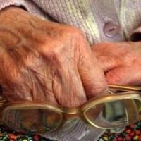 В Омске серийного грабителя пенсионеров взяли под стражу