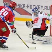"""Хоккейные эксперты считают, что экс-капитана омского """"Авангарда"""" сделали крайним"""