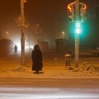 """В Омске возле остановки """"ДК Звездный"""" запретили переходить дорогу"""