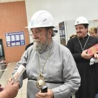 Митрополит Владимир призвал работников «Омсктехуглерода» не бояться черной кошки