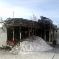 При пожаре в одном из торговых павильонов Омска погиб пенсионер