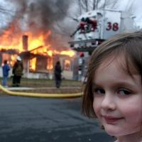 На севере Омской области пятилетняя девочка спалила постройки во дворе