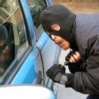 Омич решил угнать машину из-за отсутствия денег на проезд