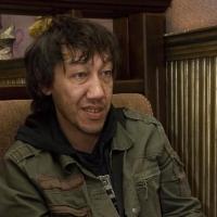 Омский художник Дамир Муратов стал подмастерьем в театре Безрукова