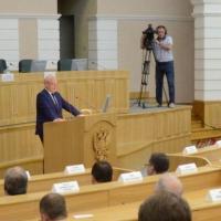 Глава Омской области доволен миром и согласием в отношениях разных национальностей в регионе