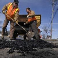 Две дороги Омска отремонтируют на сэкономленные деньги