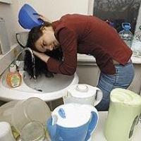 В микрорайоне «Прибрежный» Омска незаконно отключили горячую воду