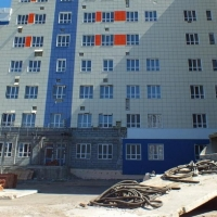 Новый подрядчик для достройки омской поликлиники скинул на торгах почти 10%