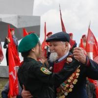 «Майский вальс» омские ветераны станцевали с молодежью