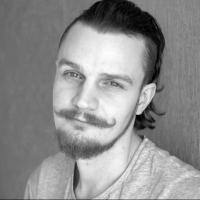На трассе Тюмень - Омск в ДТП разбился 27-летний омский журналист