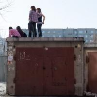 В Омской области под ребёнком провалилась крыша гаража