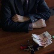 Омский судмедэксперт вымогал деньги за подготовку тел к похоронам