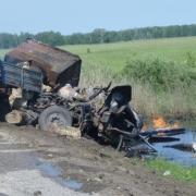 В Омской области столкнулись два грузовика