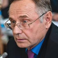 Омские депутаты испугались, что автомобилисты врежутся в молодых лётчиков