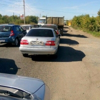 В Омске километровая пробка на пересечении 10-летия Октября и Окружной