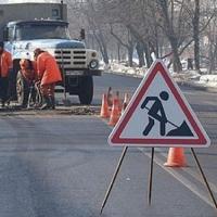 В Омске в круглосуточном режиме подлатали улицы Лукашевича, проспект Мира и Иртышскую набережную