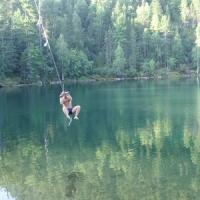 В Омске 16-летний подросток сорвался с тарзанки и утонул