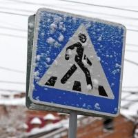 В Омске на пешеходном переходе сбили трехлетнего ребенка