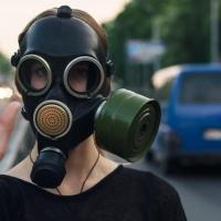В первый день лета омичи начали жаловаться на запах газа