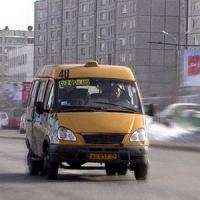 """В Омске маршрутка сбила пешехода на """"зебре"""""""