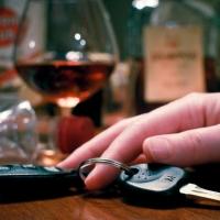 Пьяная парочка омичей угнала автомобиль, чтобы порыбачить