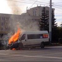 В Омске на Красном Пути сгорела маршрутка