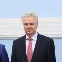 Почетным гражданином Омской области стал председатель Заксобрания Владимир Варнавский