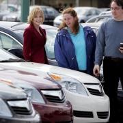 Омское правительство распродает Volvo и BMW