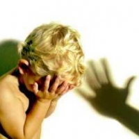 Издевавшаяся над детьми омская воспитательница уволена по требованию прокуроров