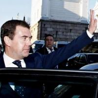 Медведев проехался по омским дорогам без пробок
