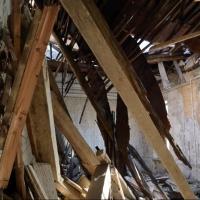 Деревянный дом в Омской области убил соседского гостя