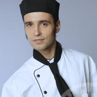 23-летний омский повар украл из гардероба мужской костюм