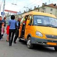 Омским маршрутчикам не дали поднять цену до 25 рублей