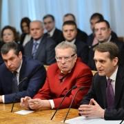 Госдума решает, принимать ли Крым в состав РФ