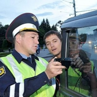 В Омске ГИБДД за день обнаружила 73 автомобиля с незаконной тонировкой