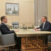 Бурков просил Медведева финансово помочь в строительстве трех школ в Омской области