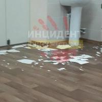 Омская школа, где осыпалась штукатурка, находится на гарантийном ремонте