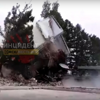 Демонтаж казармы Омского автобронетанкового института проводился давно