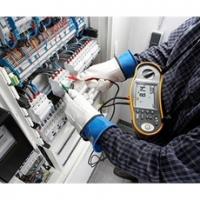 В одной из омских компаний приостановили работу опасной электроустановки