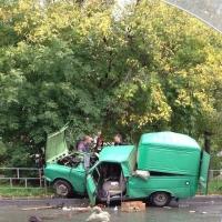 В центре Омска в аварии пострадали два пожилых человека
