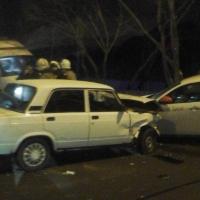 В Омске у больницы №2 произошло тройное ДТП