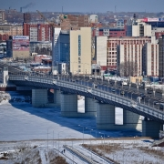 Омский суд прекратил дело по резонансному ДТП на метромосту