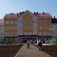 В новой омской школе с родителей собирают на ремонт