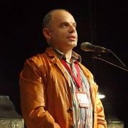 Роман Должанский рассказал омичам о театральной моде