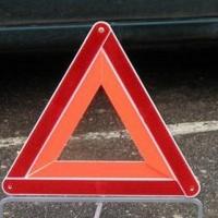 В Омской области водитель легковушки сбил двух девушек и скрылся