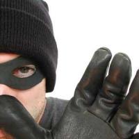 Банда подростков в Омске избила водителя ради трехсот рублей