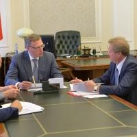 Бурков согласился, что для профсоюзов должен быть свой праздник